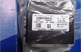 954802S200_Hộp điều khiển khóa từ Tucson 2010